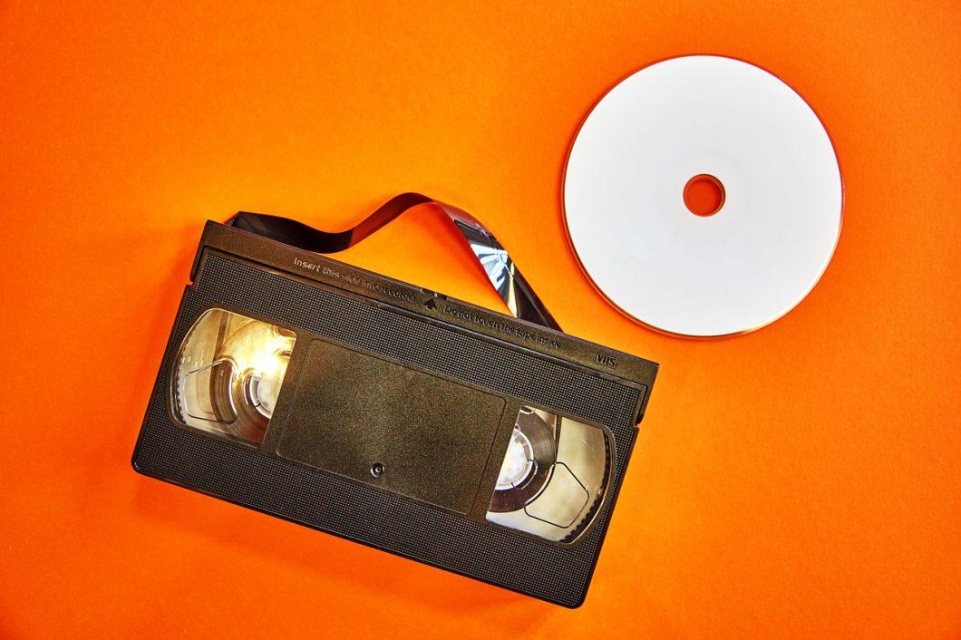 que precio tiene convertir cintas vhs a dvd