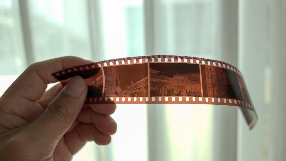 Por qué deberías digitalizar tus diapositivas y fotos antiguas.