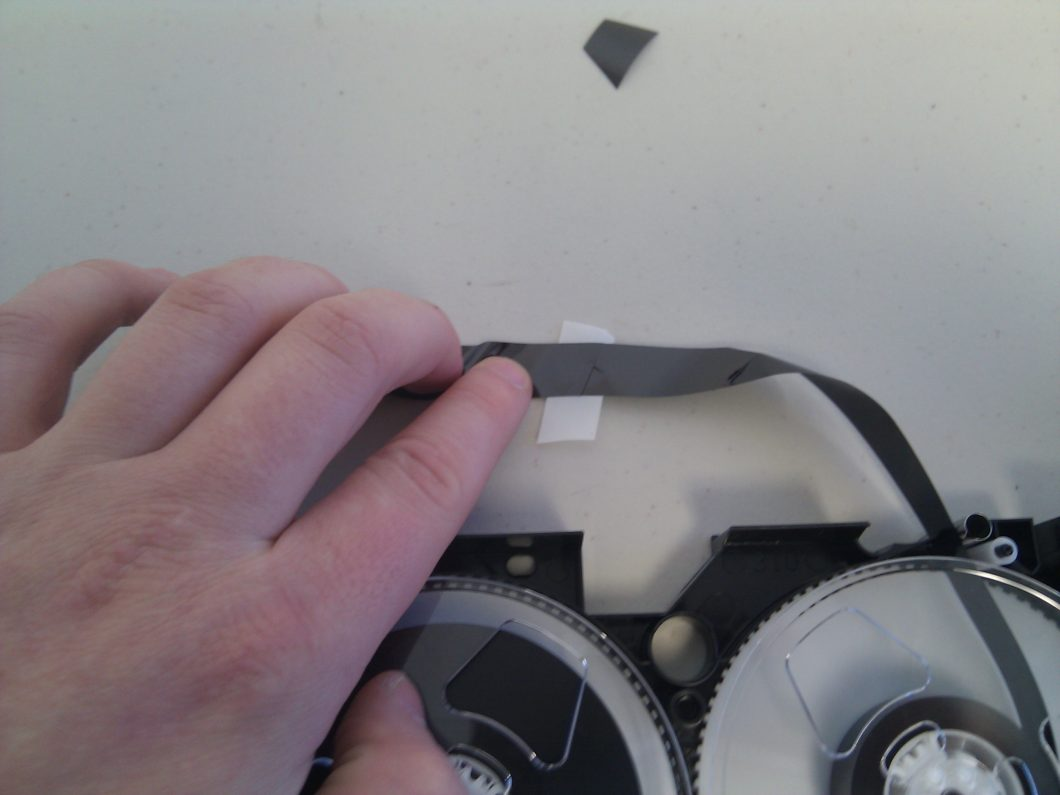 Se puede recuperar un cassette de videocámara dañado y pasarlo a un pendrive