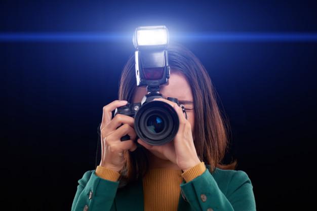 Cómo utilizar el flash de una cámara de fotos correctamente