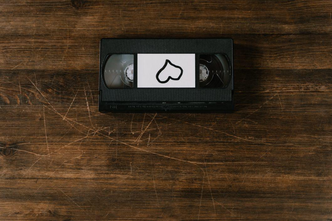 ¿Qué precio tiene pasar cintas vhs a dvd?